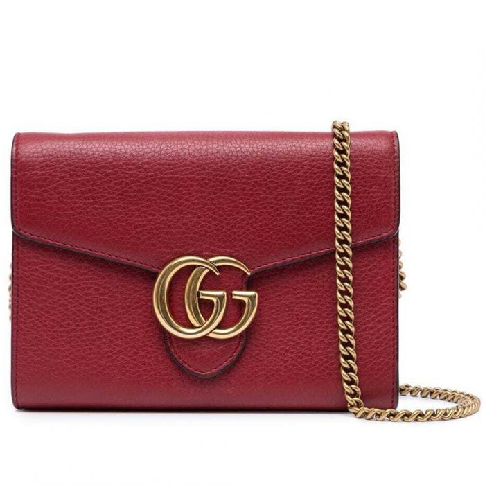 Red Wallet On a Chain