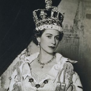 31 New Crowns for Her Majesty the Queen's Diamond Jubilee