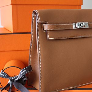 7 reasons we love the Hermès Kelly Danse